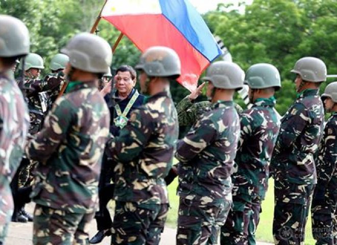 News in Photos: President Duterte talks to officers and members of 6th Infantry Division of the PHL Army
