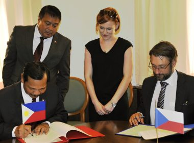 DND USEC Ricardo David and Czech Deputy Defense Minister Jakub Landovský sign Czech - Philippine Agreement on Defence Cooperation witnessed by DND USEC Raymundo Elefante - photo by Mir Sindelar