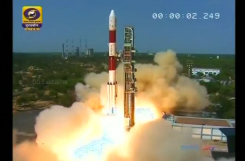 India fired a rocket carrying 31 small satellites into space on Friday, several of them for European countries looking for high resolution earth images, underlining its strength as a low-cost provider of services in space.(photo grabbed from Reuters video)