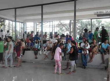 More than 170 families have been evacuated after Bangsamoro Islamic Freedom Fighters (BIFF) attacked a detachment in Bgy Simsiman, and an elementary school in Bgy Malagakit in Pinagkawayan town in North Cotabato early Wednesday, June 21, 2017.   Some 850 families from five barangays have been temporarliy evacuated near the Pinagkawayan Municipal Hall.  (Eagle News Service)