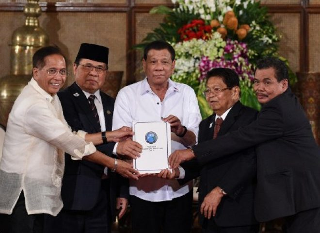 News in photo:  President Duterte receives Bangsamoro Basic Law draft in Malacanang