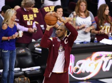 CLEVELAND, OH - JUNE 11: James Jones #1 of the Cleveland Cavaliers warms up prior to Game Four of the 2015 NBA Finals against the Golden State Warriors at Quicken Loans Arena on June 11, 2015 in Cleveland, Ohio. NOTE TO USER: User expressly acknowledges and agrees that, by downloading and or using this photograph, user is consenting to the terms and conditions of Getty Images License Agreement.   Jason Miller/Getty Images/AFP