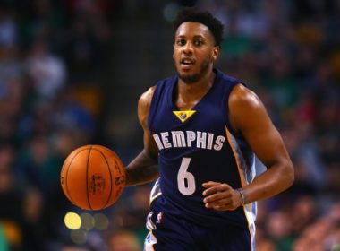 BOSTON, MA - MARCH 09: Mario Chalmers #6 of the Memphis Grizzlies dribbles against the Boston Celtics during the second quarter at TD Garden on March 9, 2016 in Boston, Massachusetts.NOTE TO USER: User expressly acknowledges and agrees that, by downloading and/or using this photograph, user is consenting to the terms and conditions of the Getty Images License Agreement.   Maddie Meyer/Getty Images/AFP