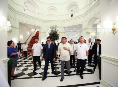 President Rodrigo Roa Duterte is given a tour inside Rizal Park Hotel in Manila during its grand opening on July 26, 2017. Touring the President is Rizal Park Hotel Chairman Simon Paz. SIMEON CELI JR./PRESIDENTIAL PHOTO
