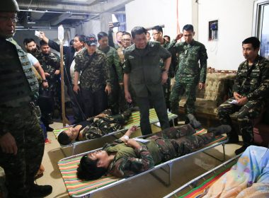 President Rodrigo Duterte checks on the condition of wounded soldiers during his visit to the troops of the Tactical Command Post (TCP) Joint Special Operations Task Force (JSOTF) at Barangay Kilala in Marawi City on August 4, 2017.  (Presidential Communications photo)