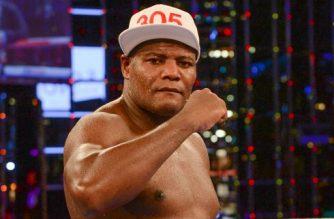 Cuba's Luis Ortiz reacts after winning the WBA Intercontinental heavyweight title against US Malik Scott in Monte Carlo on November 12, 2016. Ortiz defeated Scott with a unanimous decision. / AFP PHOTO / Yann COATSALIOU