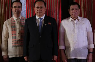 File Photo: North Korean Foreign Minister Ri Yong-ho (C) poses with Philippine President Rodrigo Duterte (R) and Philippine Secretary of Foreign Affairs Alan Peter Cayetano (L) during a courtesy call on the sidelines of the 50th Association of Southeast Asian Nations (ASEAN) regional security forum in suburban Manila / AFP PHOTO /