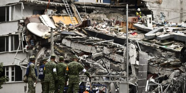 Rescuers race against time to rescue Mexico quake victims inside rubble