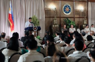 President Rodrigo Roa Duterte, in his speech during the Gawad Career Executive Service (CES) and the 2017 Outstanding Government Workers Conferment Ceremony in Malacañan Palace on September 20, 2017, reiterates that he is relentless in his commitment to fulfill his campaign promise of addressing illegal drugs, corruption, and crime. ACE MORANDANTE/PRESIDENTIAL PHOTO