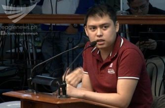 "Customs fixer Mark Taguba testifying at the Senate hearing on Monday, September 25, on the ""tara"" system and the bribe money, amounting to more than P92 million, which he had given to Customs officials and employees.  (Eagle News Service)"