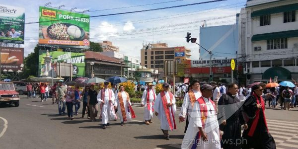 In photos:   Catholic clergy lead protest rallies in Iloilo City