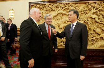 China's Vice Premier Wang Yang (R) meets with US Secretary of Agriculture Sonny Perdue (L) and US ambassador to China, Terry Branstad (C), at the Zhongnanhai leadership compound in Beijing on June 30, 2017. China opened its gates to US beef imports last week, giving US cattle farmers much sought-after access to the country's massive market following a 14-year ban. / AFP PHOTO / POOL / JASON LEE