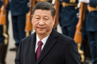 (FILES) This file photo taken on April 10, 2017 shows China's President Xi Jinping reviewing paramilitary guards with Myanmar's President Htin Kyaw at a welcome ceremony at the Great Hall of People in Beijing. Chinese leader Xi Jinping is expected to tighten his grip on power at a Communist Party conclave in mid October, 2017, cementing his stature as the country's most dominant ruler in decades. / AFP PHOTO / FRED DUFOUR / TO GO WITH:  China-congress-politics, Laurent THOMET