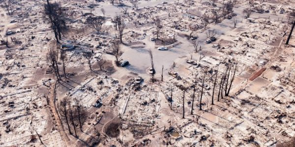 In photos:   Surreal scene left by deadly California wildfire