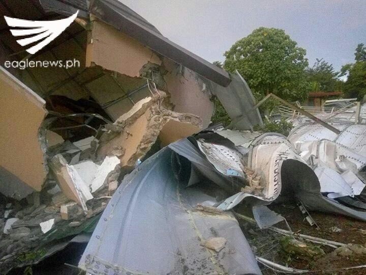 Water Tank Destruction : Look destruction in parts of a san jose del monte
