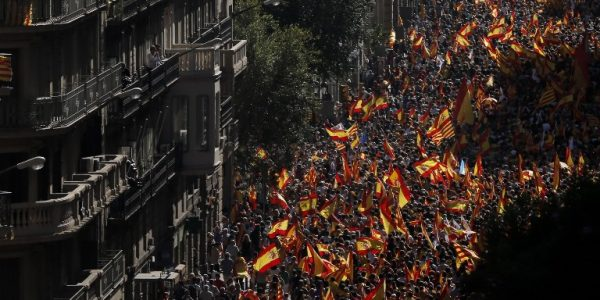 News in photo:  Thousands rally for Spanish unity
