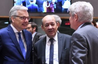 (From L) Belgium Foreign Minister Didier Reynders, Spain's Foreign Minister Alfonso Dastis and France's Foreign Minister Jean-Yves Le Drian attend a foreign affairs council at the European Council in Brussels on November 13, 2017.  / AFP PHOTO / EMMANUEL DUNAND