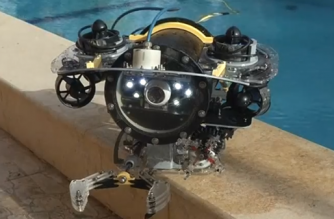 Engineering graduates from Alexandria University have developed a submarine robot which the team hopes will be commissioned by the government to use at various oil sites instead of having to rely on costly imported robotic technology.(photo grabbed from Reuters video)