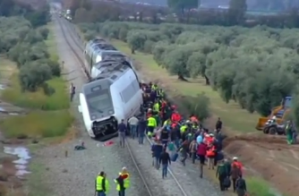 A passenger train derailed in the Spanish province of Seville on Wednesday (November 29), leaving 21 people injured, one seriously, according to the Andalusia emergency services.(photo grabbed from Reuters video)