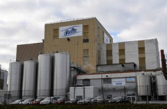 (FILES) This file photo taken on December 4, 2017 shows  the Celia dairy company's infant milk factory that belongs to the LNS Lactalis group in Craon, western France.  Bercy announced on December 10, 2017 an expansion of withdrawal and recall measures regarding several infant nutrition products manufactured by Lactalis in Craon after five news new cases of salmonella infections were detected this week.   / AFP PHOTO / DAMIEN MEYER