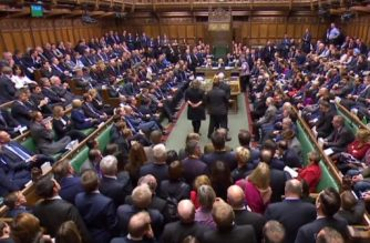 In this video grab taken from footage broadcast by the UK Parliamentary Recording Unit (PRU) via the Parliament TV website on December 13, 2017, a packed House of Commons meets to vote in favour of an amendment to the government's EU (Withdrawal) Bill.  / AFP PHOTO / PRU /