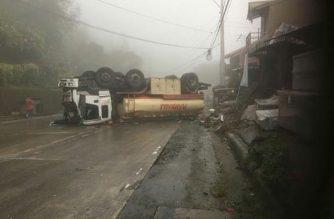 Isa sugatan sa tumaob na oil tanker sa Tuba, Benguet