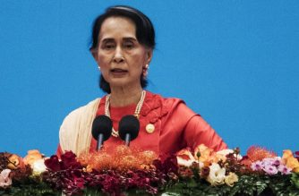 "Myanmar's civilian leader Aung San Suu Kyi gives a speech at the opening ceremony of the ""CPC in dialogue with world political parties high-level meeting, at the Great Hall of the People on December 1, 2017. China's Communist Party held the meeting of world political parties, with Myanmar leader Aung San Suu Kyi among the figures attending, the first day of a three-day event. / AFP PHOTO / POOL / FRED DUFOUR"
