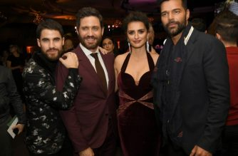 """LOS ANGELES, CA - JANUARY 08: (L-R) Actors Darren Criss, Edgar Ramirez, Penelope Cruz and Ricky Martin pose at the after party for the premiere of FX's """"The Assassination Of Gianni Versace: American Crime Story"""" at the Hollywood Palladium on January 8, 2018 in Los Angeles, California.   Kevin Winter/Getty Images/AFP"""