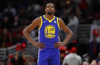 CHICAGO, IL - JANUARY 17: Kevin Durant #35 of the Golden State Warriors walks up the court against the Chicago Bulls at the United Center on January 17, 2018 in Chicago, Illinois. The Warriors defeated the Bulls 119-112. NOTE TO USER: User expressly acknowledges and agrees that, by downloading and or using this photograph, User is consenting to the terms and conditions of the Getty Images License Agreement.   Jonathan Daniel/Getty Images/AFP