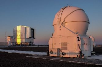 (FILES) This file photo taken on February 06, 2018 shows a general view of the Observatory in Paranal, some 1150 km north of Santiago, Chile. Cities' growth and the increasingly frequent use of LED technology to light, increases light pollution and threatens the work of the observatories installed in the Atacama desert in northern Chile. / AFP PHOTO / Miguel SANCHEZ