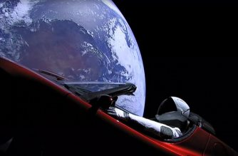"This still image taken from a SpaceX livestream video shows ""Starman"" sitting in SpaceX CEO Elon Musk's cherry red Tesla roadster after the Falcon Heavy rocket delivered it into orbit around the Earth on February 6, 2018. Screams and cheers erupted at Cape Canaveral, Florida as the massive rocket fired its 27 engines and rumbled into the blue sky over the same NASA launchpad that served as a base for the US missions to Moon four decades ago. / AFP PHOTO / SPACEX / HO / RESTRICTED TO EDITORIAL USE - MANDATORY CREDIT ""AFP PHOTO / SPACEX"" - NO MARKETING NO ADVERTISING CAMPAIGNS - DISTRIBUTED AS A SERVICE TO CLIENTS"