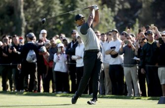 Tiger Woods plays his shot from the second tee during the first round of the Genesis Open at Riviera Country Club on February 15, 2018 in Pacific Palisades, California.   Christian Petersen/Getty Images/AFP
