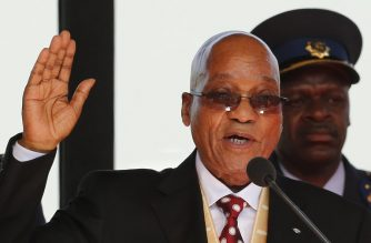 (FILES) In this file photo taken on May 24, 2014 South African President Jacob Zuma takes the oath during his inauguration ceremony  at the Union Buildings in Pretoria.  / AFP PHOTO / POOL / SIPHIWE SIBEKO