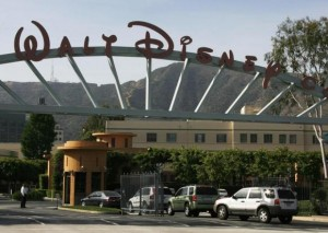 The main gate of entertainment giant Walt Disney Co. is pictured in Burbank, California May 5, 2009. Credit: Reuters/Fred Prouser
