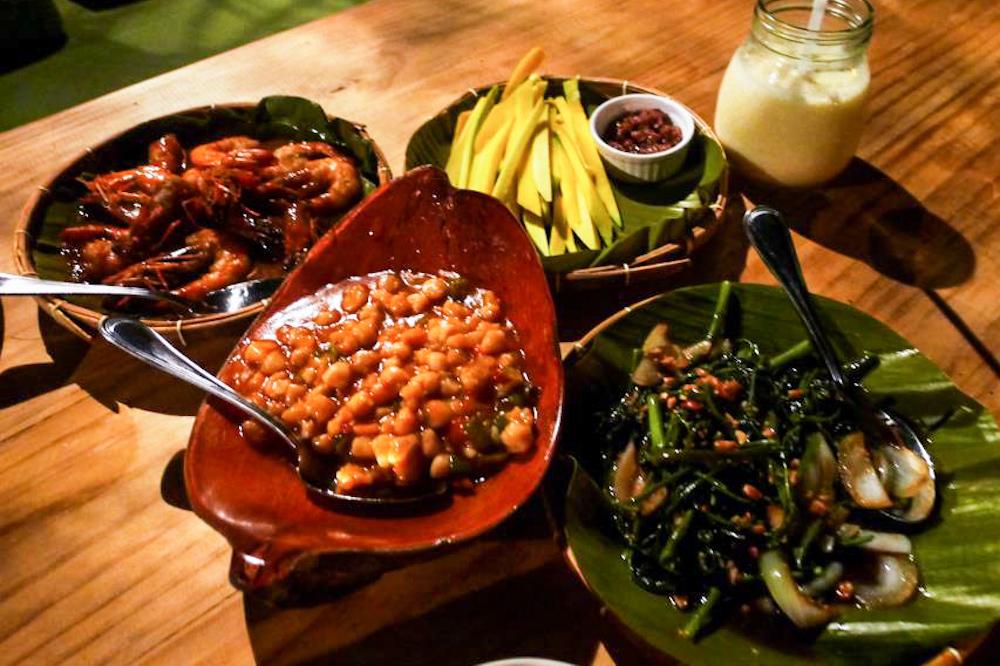 meal-in-Lantaw-Floating-Native-Restaurant (1)
