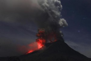 Mount Sinabung is seen during an eruption from Naman Teran village in Karo district, Indonesia's North Sumatra province, January 20, 2014.  CREDIT: REUTERS/BEAWIHARTA
