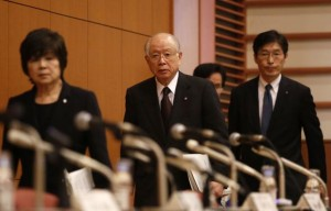 Nobel Prize-winning chemist and President of Japanese research institute RIKEN Noyori arrives for a news conference in Tokyo