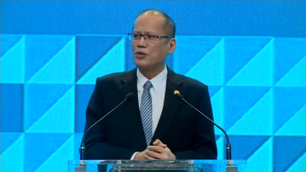 Philippine President Aquino emphasises inclusive growth as the APEC summit ends; Canadian Prime Minister Trudeau says Canada will continue engaging in a coalition against Islamic State; Russia says it is ready to talk about a free-trade zone with Japan. (Photo captured from Reuters video)