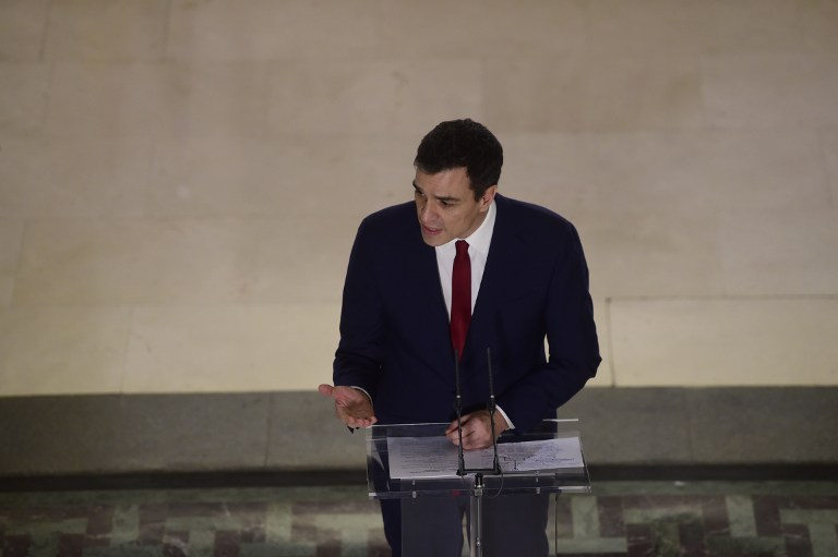 Leader of Spanish Socialist Party (PSOE) Pedro Sanchez speaks during a press conference  after signing an agreement with centre-right party Ciudadanos which will support Shanchez as candidate to lead the new Spanish government, in Madrid on February 24, 2016  Spain's Socialists, racing to try and form a minority coalition government following inconclusive elections, got their first pledge of support today after signing a deal with centrist party Ciudadanos.    / AFP / PIERRE-PHILIPPE MARCOU