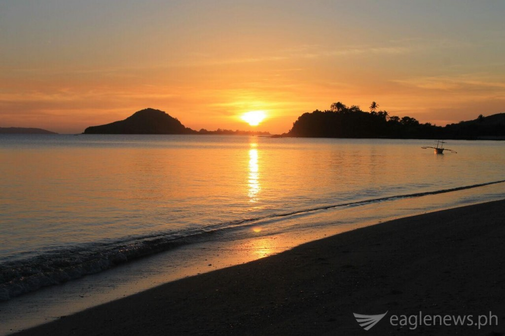 Sunset in Calaguas Island, Camarines Norte, series of photos taken by Alfonso Nario Jr. (Eagle News Service)