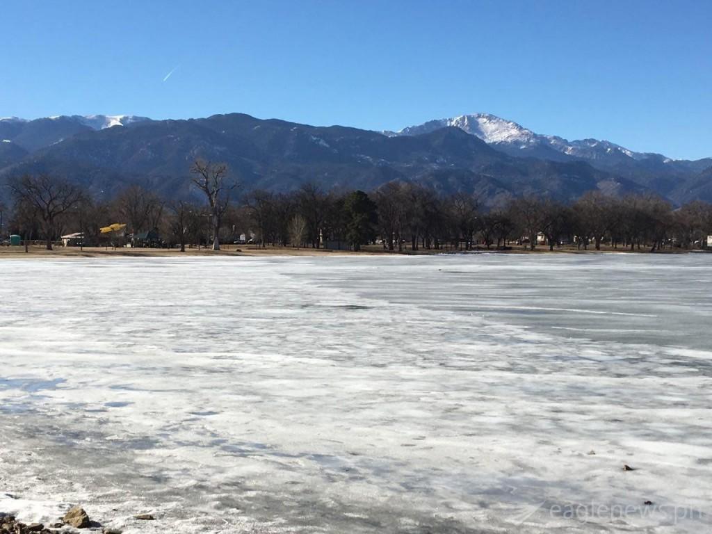 Snow and mountains in Colorado (Robert Alporque)