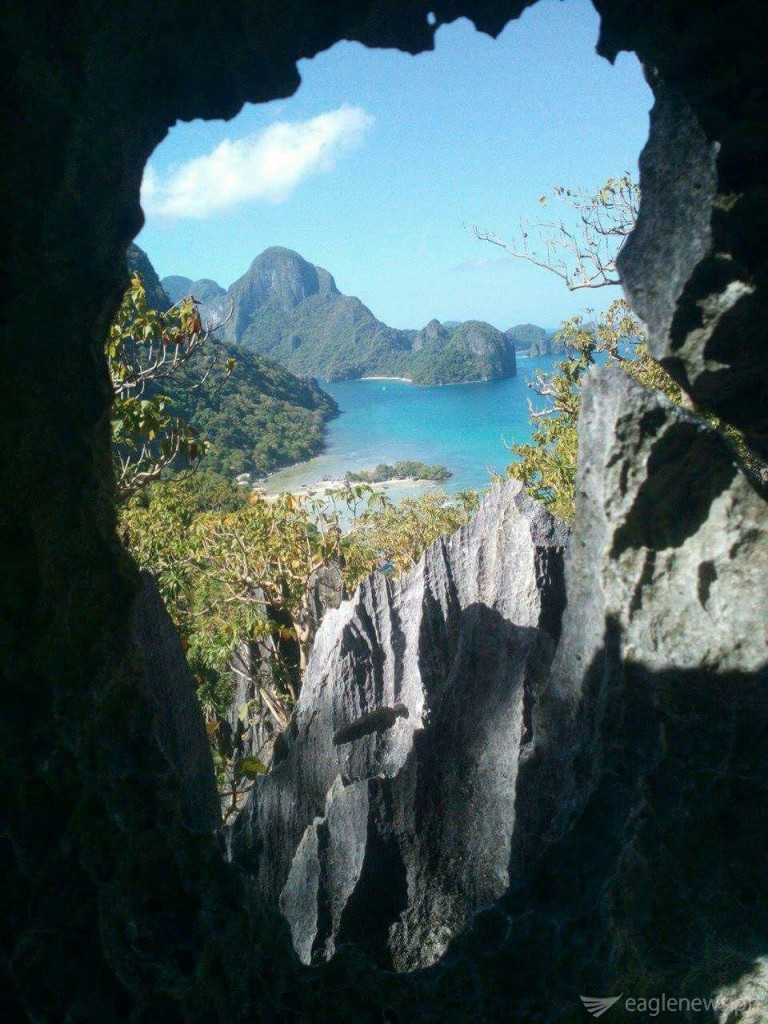 El Nido view from the rocks by Jonathan Velez (Eagle News Service)