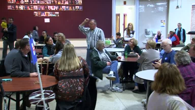 Iowa Democrats continue caucusing in Des Moines