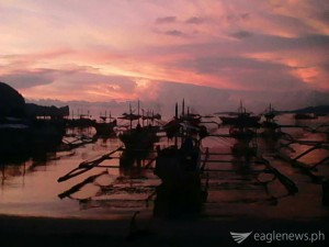 Sunset by the seaside (El Nido, Palawan) by Jonathan Velez. Eagle News Service