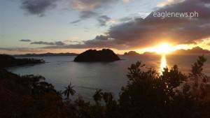 Sunset in barangay Corong-Corong, Las Cabanas, El Nido, Palawan.  Photo by Eagle News correspondent Isabel Gonzales.