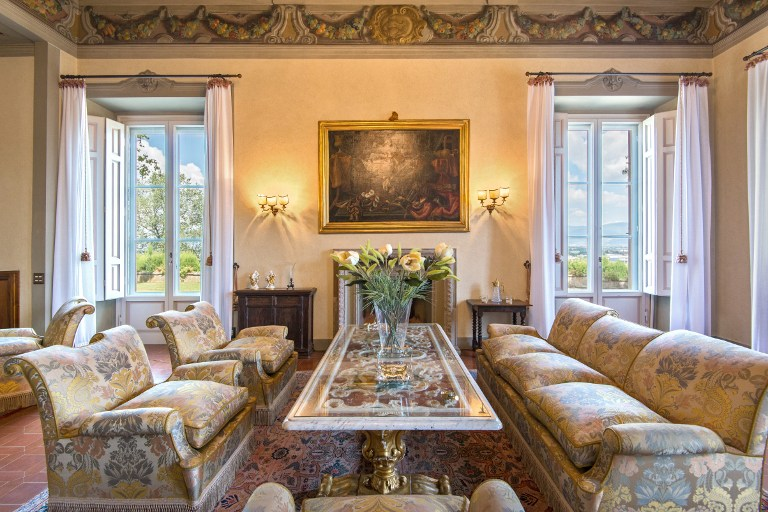"""An handout picture taken on July 27, 2014 and provided by the Lionard Luxury Press Office shows an interior view of the historic Tuscan Villa Antinori, located on the hills, on the left side of the Arno river, some five kilometres from Florence. The Tuscan villa, a rare complex from the 16th century, which once belonged to relatives of Mona Lisa, the muse of Leonardo Da Vinci, is up for sale. """"The villa is priced at over 10 million euros ($11.3 million),"""" a press officer for the Lionard Luxury Real Estate company told AFP on April 14, 2016, saying the price could be much higher but its clients valued discretion whilst negotiations were underway.  / AFP PHOTO / LIONARD LUXURY PRESS OFFICE / Handout / RESTRICTED TO EDITORIAL USE - MANDATORY CREDIT """"AFP PHOTO / HANDOUT / LIONARD LUXURY PRESS OFFICE"""" - NO MARKETING NO ADVERTISING CAMPAIGNS - DISTRIBUTED AS A SERVICE TO CLIENTS"""