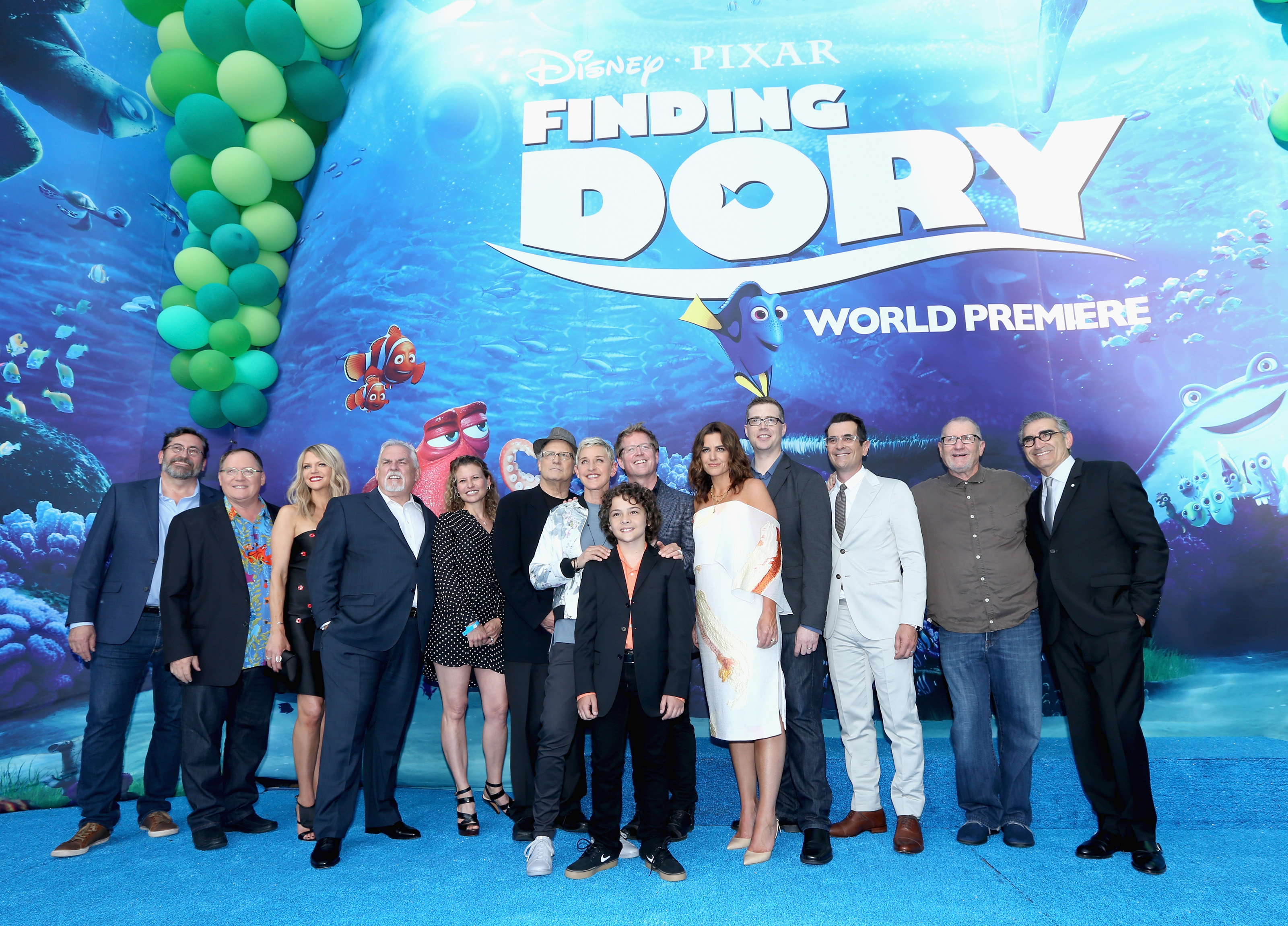 HOLLYWOOD, CA - JUNE 08: (L-R) Actor Bob Peterson, executive producer John Lasseter, actors Kaitlin Olson, John Ratzenberger, screenwriter Victoria Strouse, actors Albert Brooks, Ellen DeGeneres, Director/screenwriter Andrew Stanton, actor Hayden Rolence, producer Lindsey Collins, co-director Angus MacLane, actors Ty Burrell, Ed O'Neill and Eugene Levy attend The World Premiere of Disney-Pixar?s FINDING DORY on Wednesday, June 8, 2016 in Hollywood, California.   Jesse Grant/Getty Images for Disney /AFP