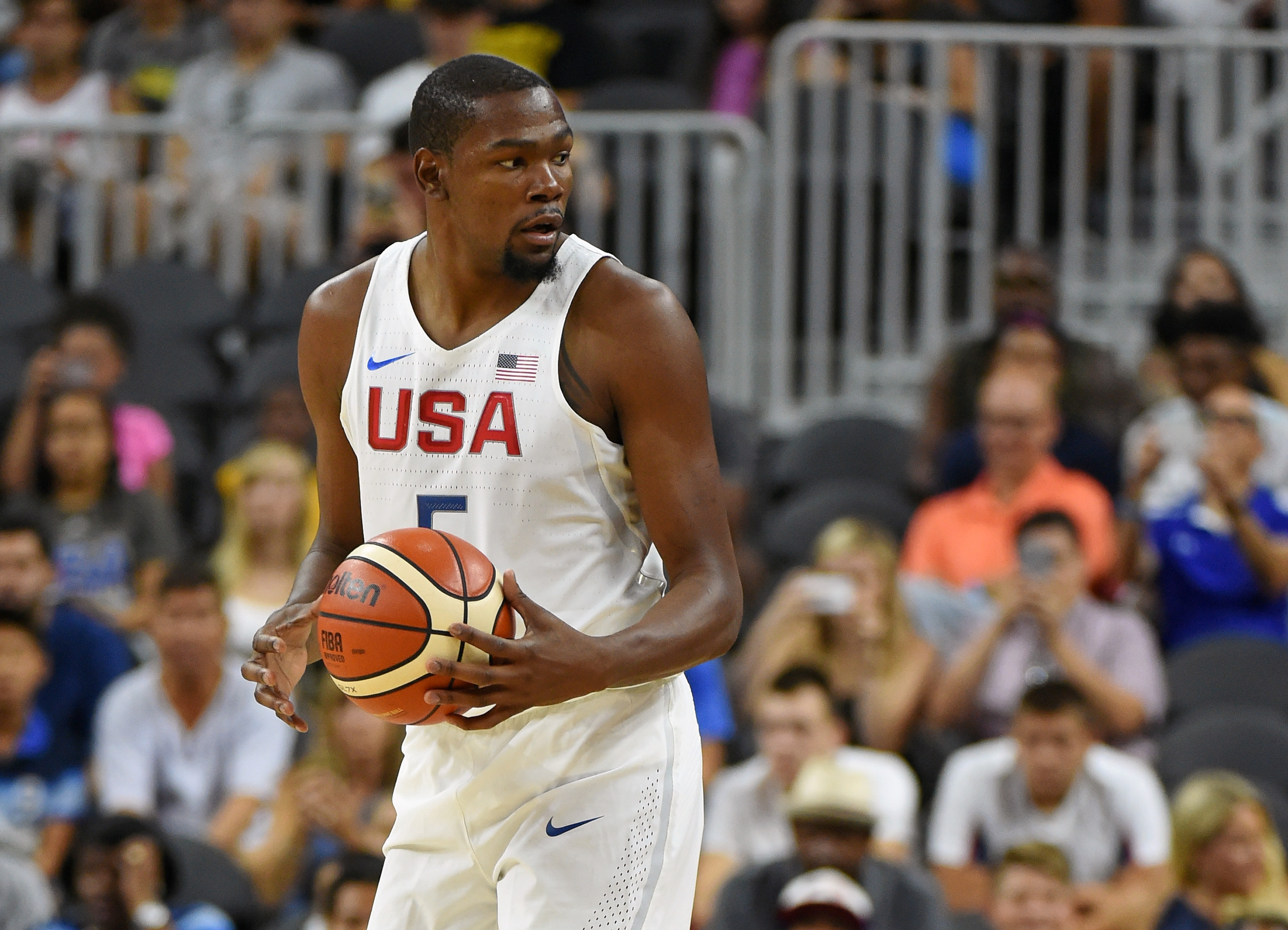 LAS VEGAS, NV - JULY 22: Kevin Durant #5 of the United States sets up a play against Argentina during a USA Basketball showcase exhibition game at T-Mobile Arena on July 22, 2016 in Las Vegas, Nevada. The United States won 111-74.   Ethan Miller/Getty Images/AFP