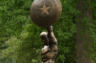 A bronze Captain America statue debuts in Brooklyn's Prospect Park to celebrate the character's 75th anniversary.(photo grabbed from Reuters video)