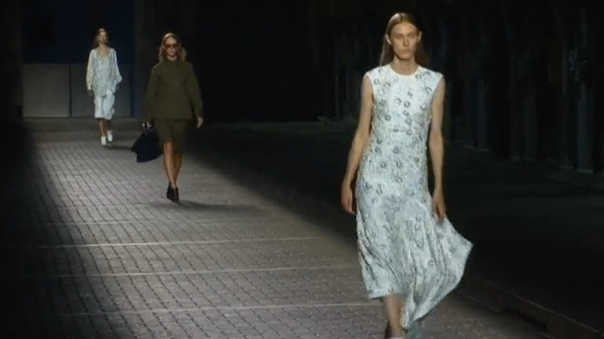 Mulberry brings a winter feel to London Fashion Week (Photo captured from Reuters video)